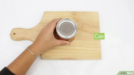 Immagine titolata Open a Can Without a Can Opener Step 1