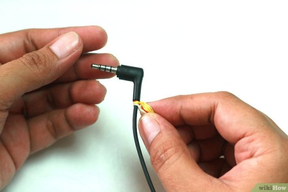 Immagine titolata Make Tangle Free Headphones with Embroidery Floss Step 4
