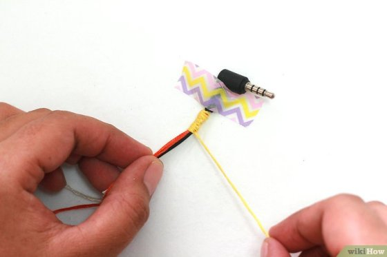 Immagine titolata Make Tangle Free Headphones with Embroidery Floss Step 8