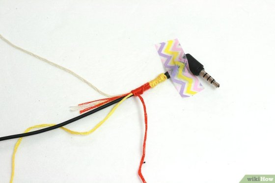 Immagine titolata Make Tangle Free Headphones with Embroidery Floss Step 9