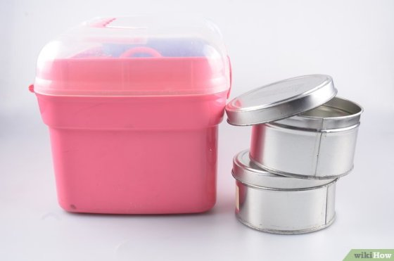 Immagine titolata Organize Hair and Makeup Products in the Bathroom Step 3