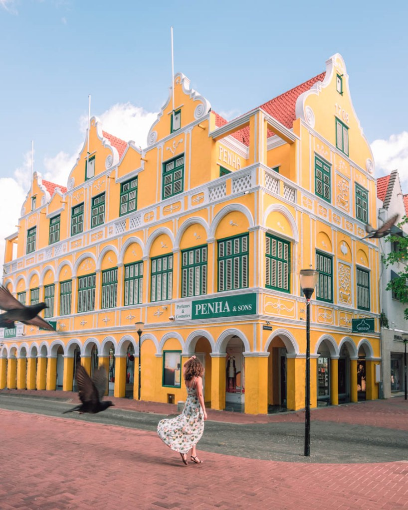 Penha building Willemstad Photo Spots