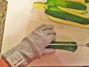 Stark gloves2