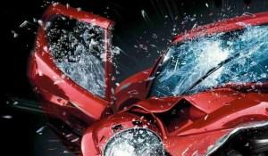 auto incidentata danneggiata