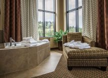Honeymoon Suite Comfort Suites Kelowna