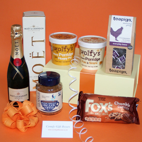 First Morning Champagne Housewarming Gift Hamper Send A Fancy New Home Gift Hamper Housewarming Gift Ideas For Couples Uk Delivery Champagne Flat Warming Gift Ideas Unusual House Warming Gifts With