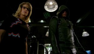Heroes vs Aliens Arrow