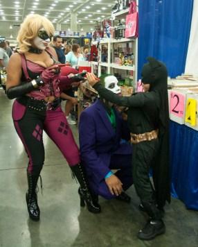 Batman vs Harley and Joker