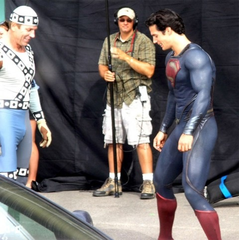 0831-henry-cavill-superman-costume-01-480x482.jpg