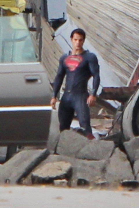 0831-henry-cavill-superman-costume-02-480x720.jpg