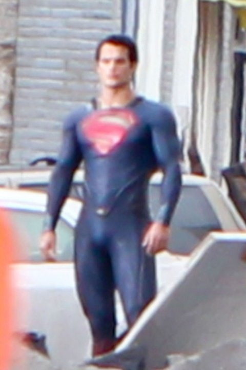 0831-henry-cavill-superman-costume-04-480x720.jpg