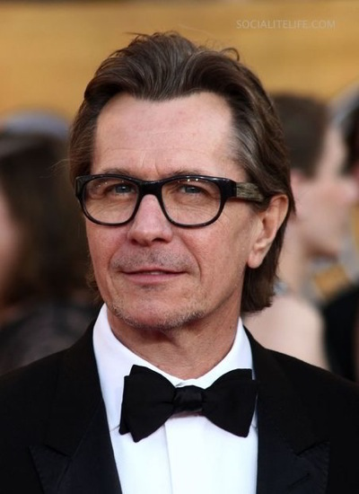 Gary-at-The-Screen-Actor-s-Guild-awards-2009-gary-oldman-3802457-452-622.jpg
