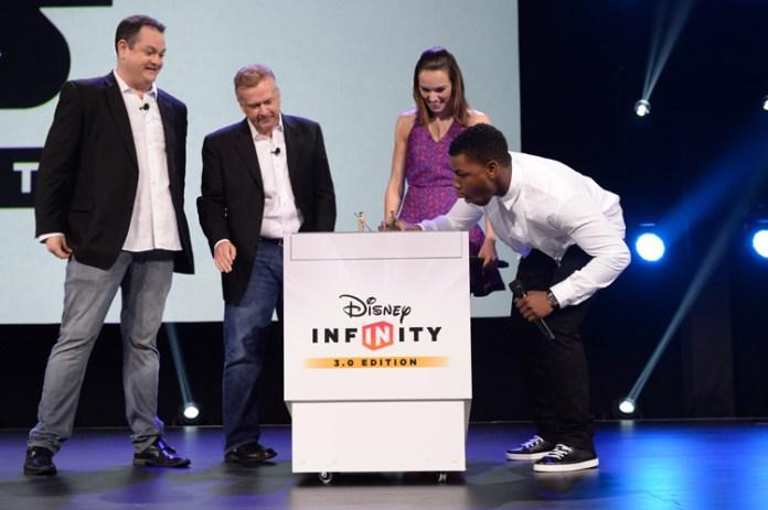 DisneyInfinity_D232015_BoyegaRidley_Stage