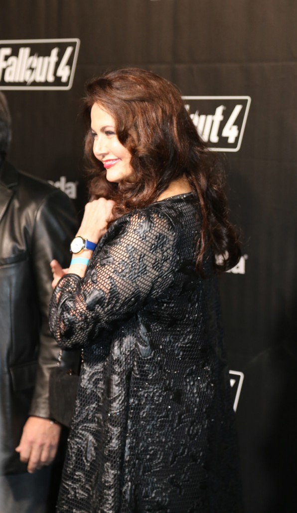 Lynda Carter shows off her Fallout love