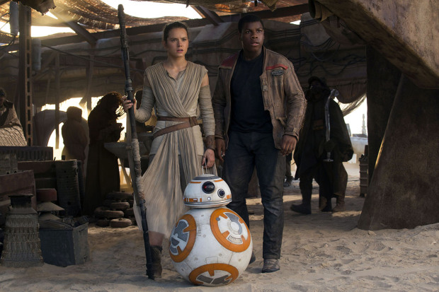 Star Wars Episode VII Le reveil de la force Star Wars The force awakens Star wars Episode 7 2015 Real J J Abrams / JJ Abrams John Boyega Daisy Ridley. Collection Christophel © Lucas Film / Walt Disney