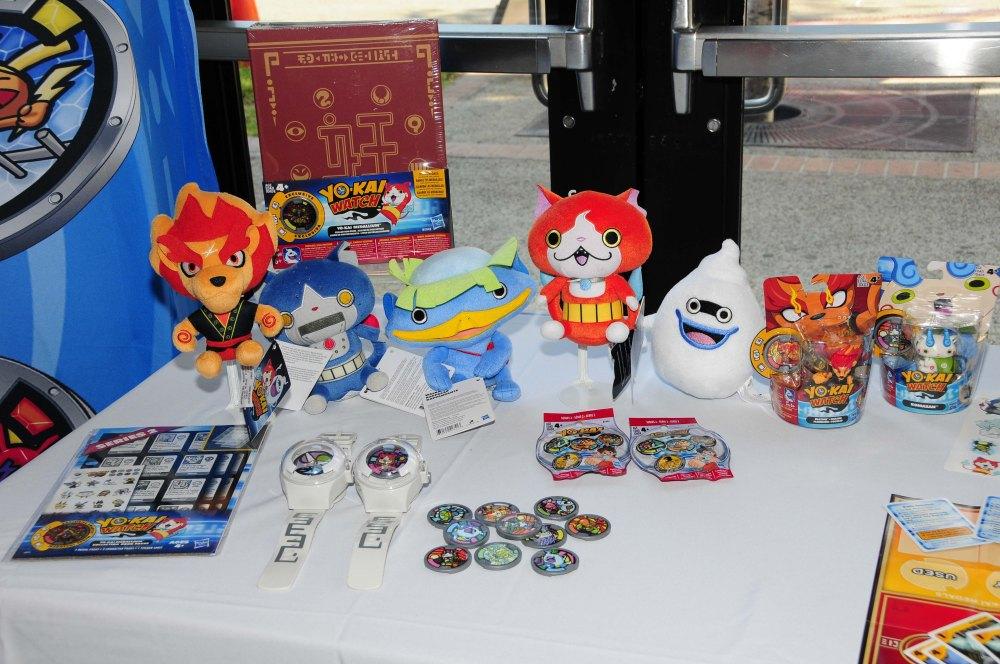 Yo-Kai Watch, Dolls, and disks