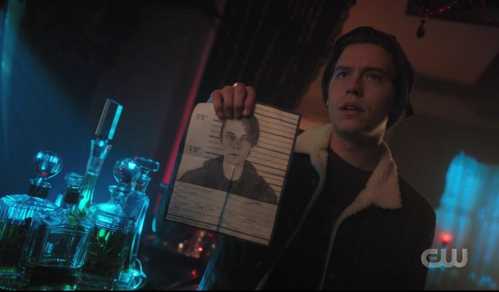 Jughead Jones investigates Kurtz's murder