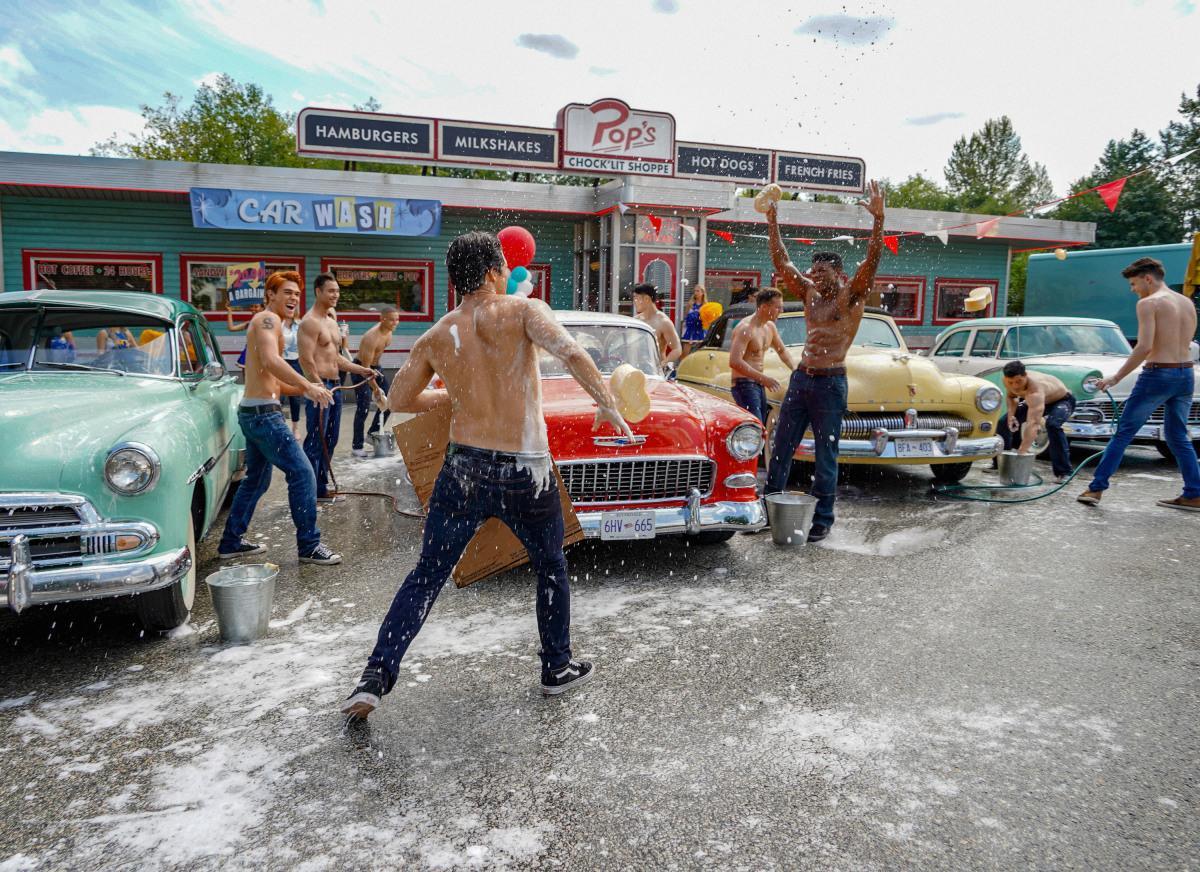 Riverdale car wash featuring shirtless Reggie