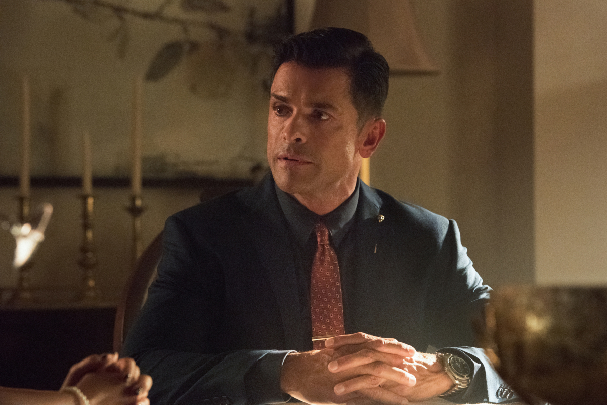 Hiram listens to Archie's offer on Riverdale