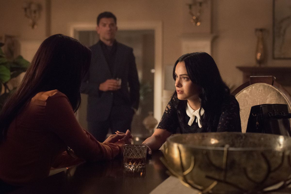 Veronica tries to talk some sense into Hermione as Hiram looks on