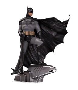 Batman by Alex Ross deluxe statue