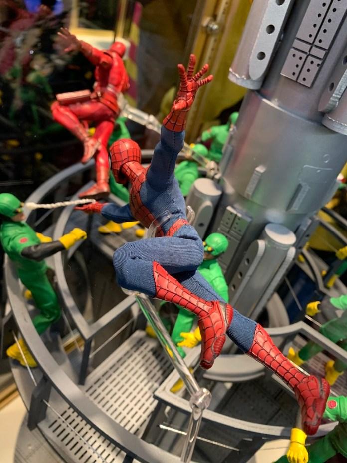 Mezco Spider-Man webslinging
