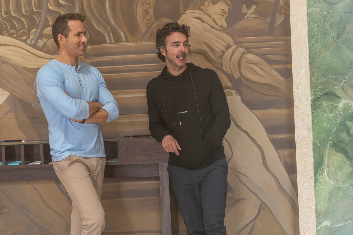 Ryan Reynolds and Shawn Levy talk on the FREE GUY set