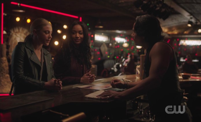 Betty and Tabitha pitch their Coyote Ugly idea to Fangs