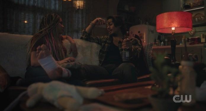 Toni massages Fangs's foot on Riverdale