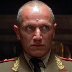 Général Orlov Octopussy (joué par Steven Berkoff)