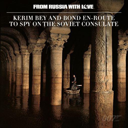 Kerum Bey et Bond en route pour espionner le consulat soviétique