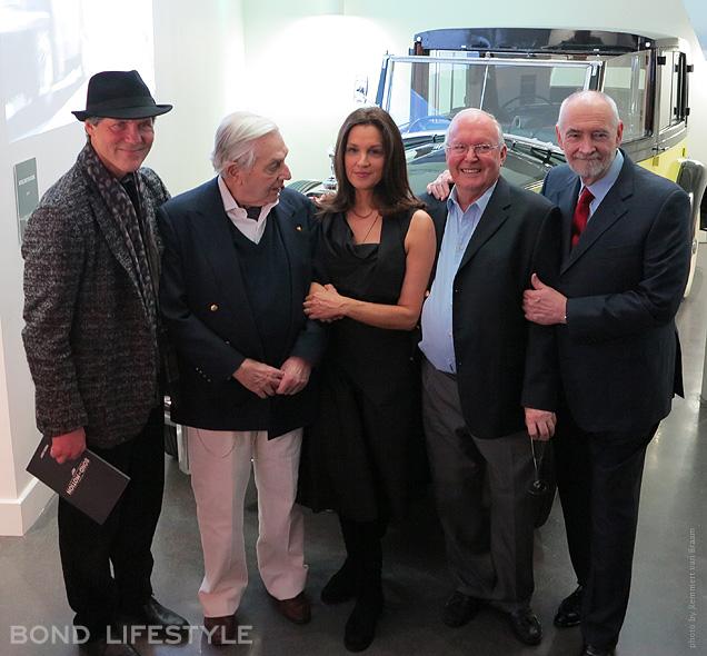 Les chefs opérateurs, décorateurs et producteurs de la franchise : ennis Gassner, Sir Ken Adam, Barbara Broccoli, Peter Lamont, Michael G. Wilson