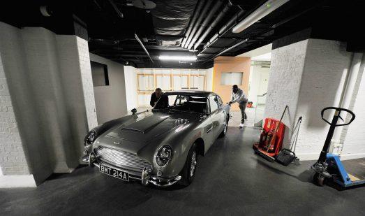L'Aston prend place