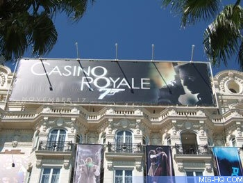 Bond 21 s'affiche à Cannes en 2006, photo parue sur MI6-HQ