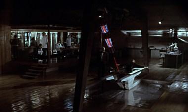 Salle de torture qui ont du goût dans Goldfinger