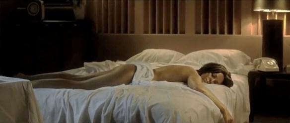 """La chanteuse Ninh pour son clip """"Regarde moi"""""""