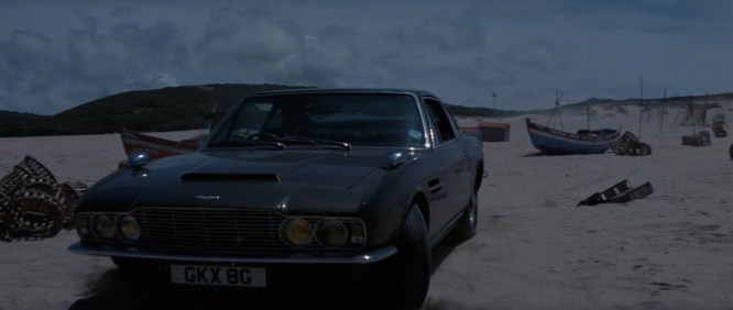 On_Her_Majesty's_Secret_Service_-_Bond_pulls_up_on_the_beach_in_his_DBS