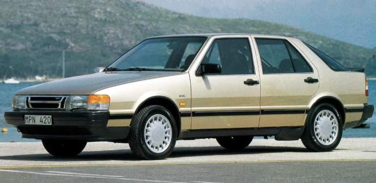 Une Saab 9000 Turbo CD.