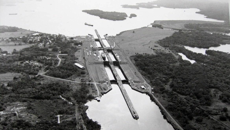 Le canal de Panama en 1960.