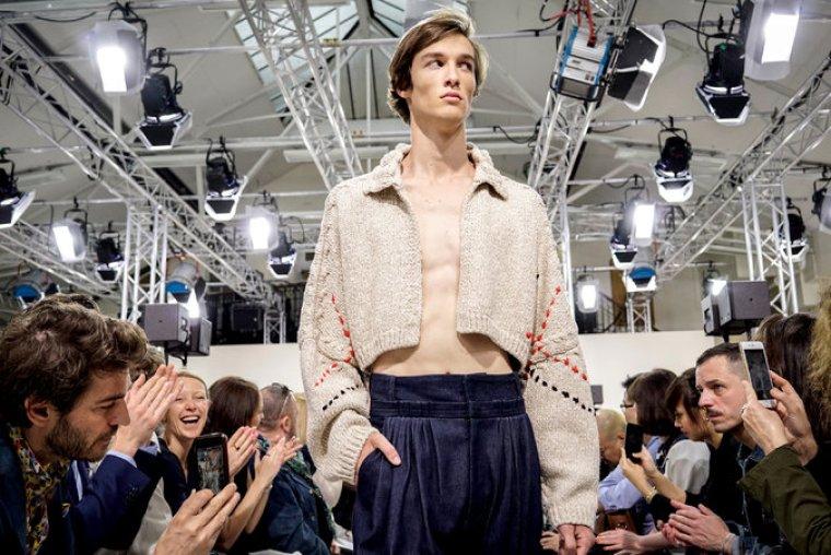 Grindr trasmetterà una sfilata di moda
