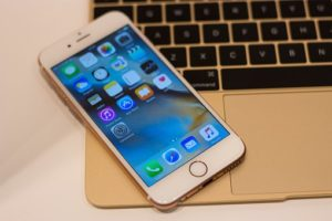 ,iPhone
