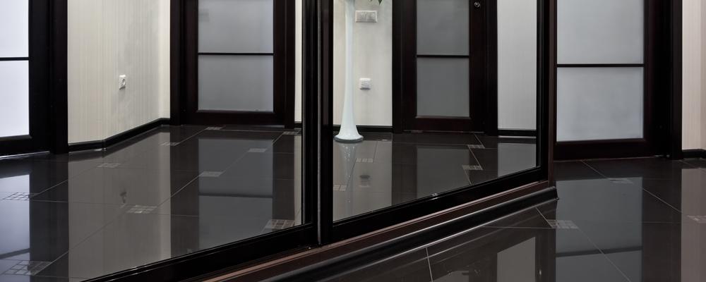 Custom Commercial Mirrors & Mirror Walls