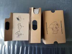 montage-cardboard