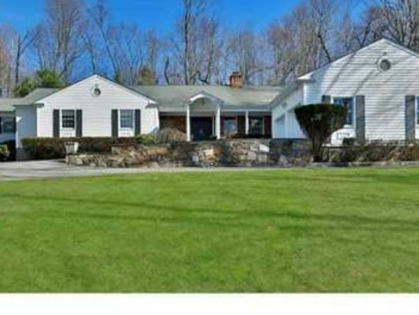 Clinton's New House - clintons-renovating-new-ny-house-without-permits