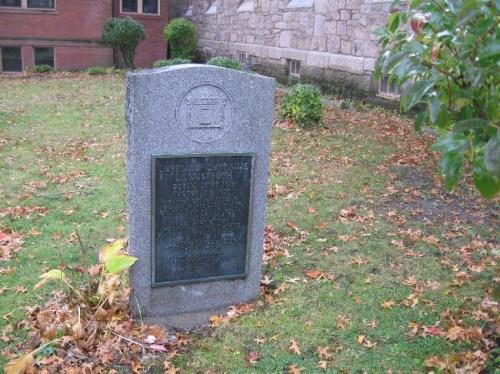 Langstroth Memorial in Greenfield