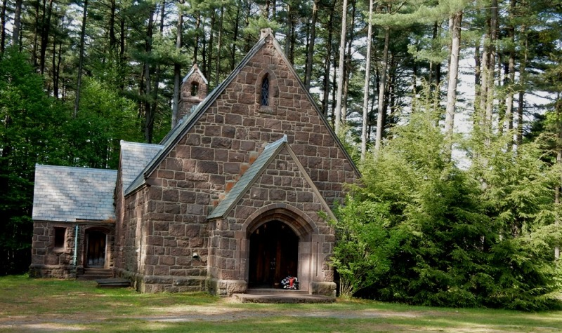 Green River Cemetery Chapel