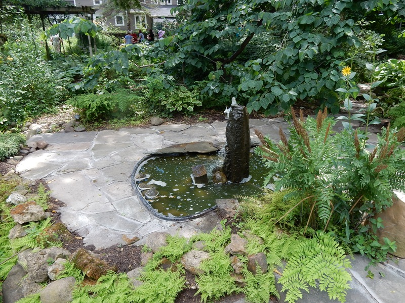 Squire House Gardens fountain