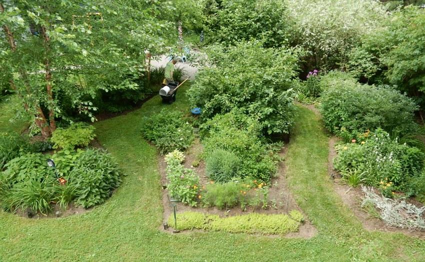 Stroll garden path