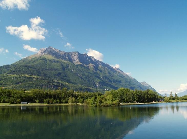 Lac de Carouge et l'Arclusaz - Saint-Pierre-d'Albigny