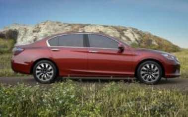 2015-honda-accord-hybrid-sedan-charging